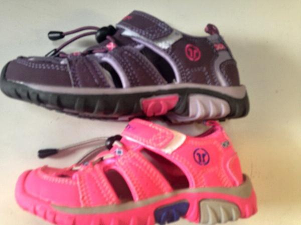 Dívčí sportovní sandále LISTAR (31-36)