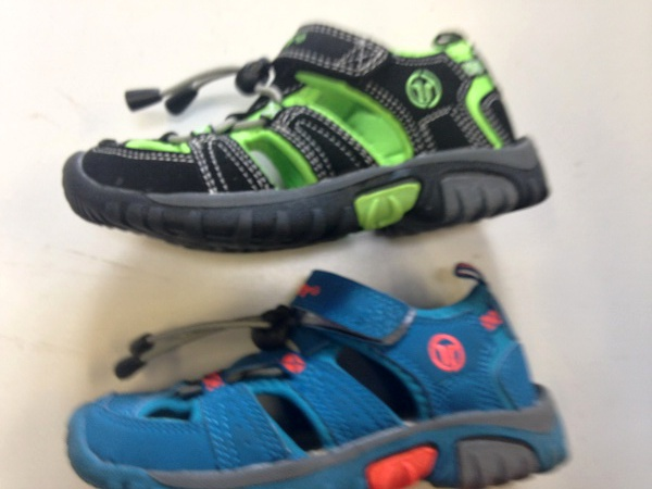 Chlapecké sportovní sandále LISTAR (25-30)
