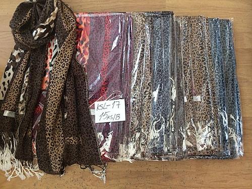 ac006172d8c Dámský cashmere šátek DELFIN