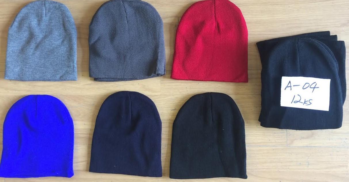 Dámská zimní pletená čepice DELFIN (vel. UNI) mix barev 12353aea6a