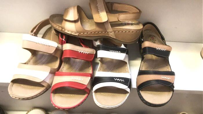 Dámské sandále na klínku  (36-41)